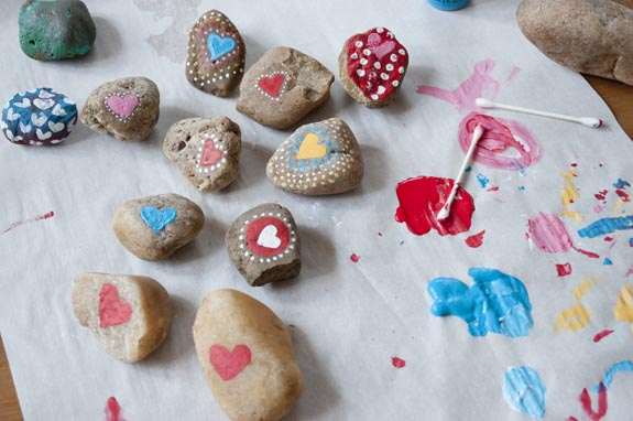 painting hearts on rocks for valentines day